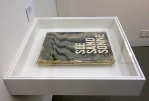 See Sand Sonne (1930) - Handexemplar von Arvid Gutschow in der Frankfurter Ausstellung…