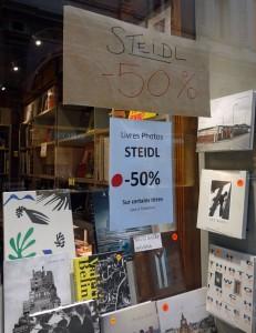 Ausverkauf in einer Kunstbuchhandlung in Brüssel