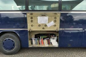 """Die mobile Fotobuchbibliothek im """"Fotobus"""""""