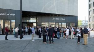 Ausstellungseröffnung mit ca. 400 Gästen