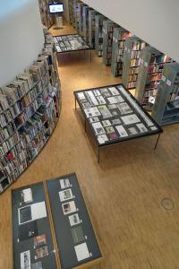 """Ausstellung """"New Topographics in Photobooks"""" im Museum ARoS"""