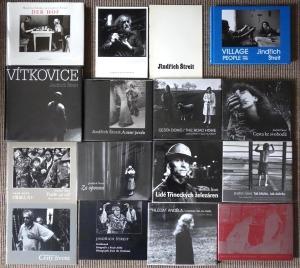 Einige Bücher und Kataloge von Jindřich Štreit